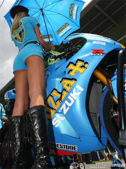 2008-suzuki-motogp-girl-33.jpg