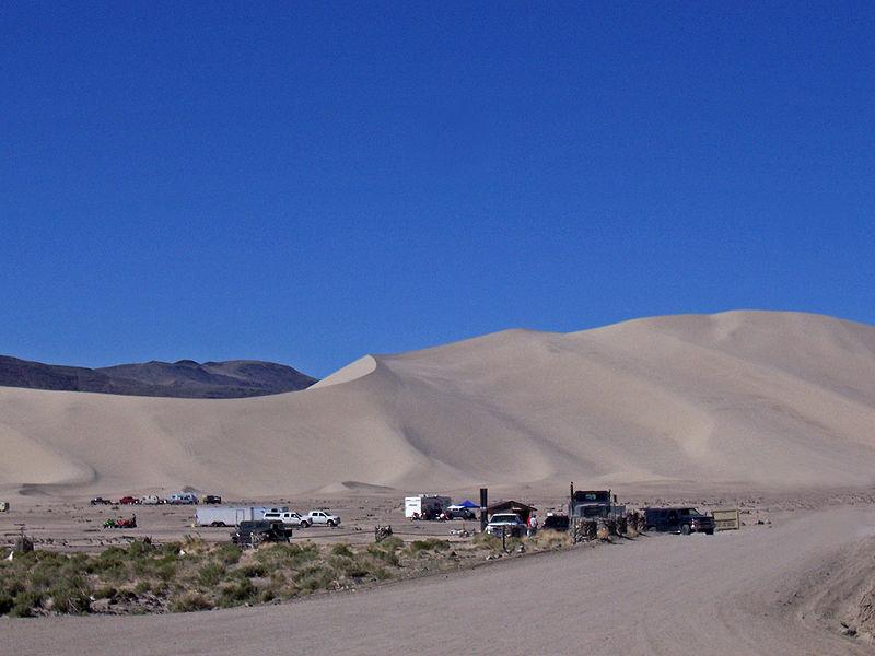 800px-Sand_mountain_(Edited).jpg
