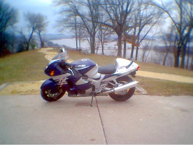 Busa_over_the_Mississippi.jpg