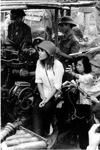 Jane-Fonda-Gun-72.jpg
