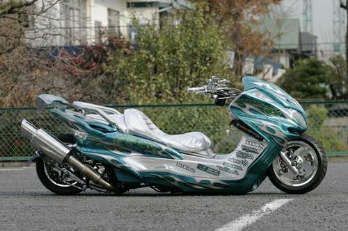 Japanese%20extreme%20custom%20scooters%20%205.jpg
