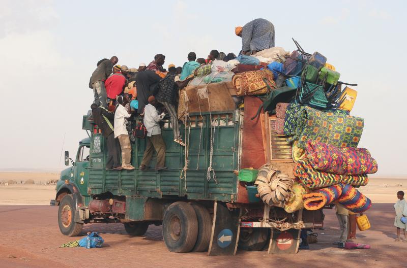 Overloaded_truck.jpg