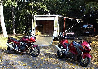 post-6-99920-bikeswithcamper2.jpg