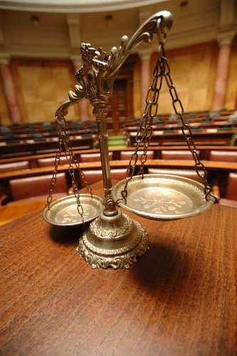 unlawful-actions-lawyer-attempts-to-kill-colleague-22364.jpg