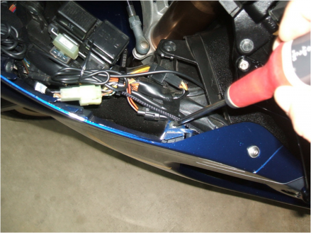 gen 2 upper fairing removal hayabusa owners group hayabusa fuse box location at readyjetset.co