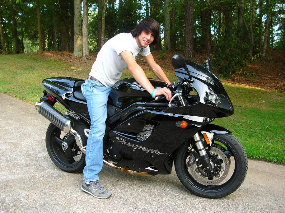 Wes_motorcycle_002_40_.JPG