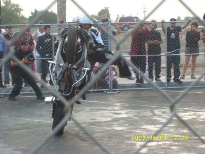 wheelie2.jpg